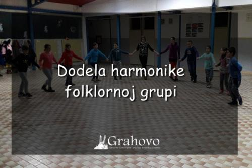 Dodela harmonike folklornoj grupi